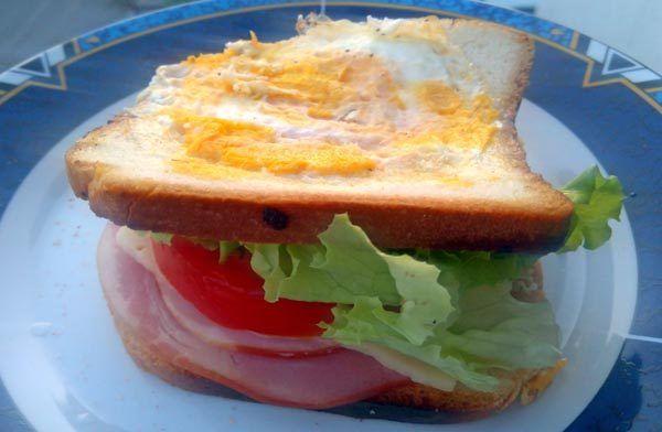 gastro_hrana_sendvič_modnialmanah