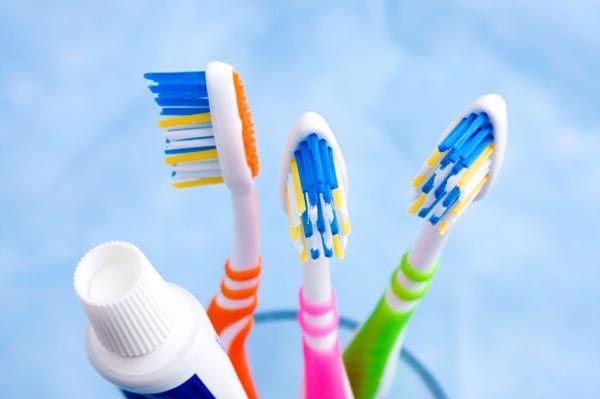 beauty-četkica-modnialmanah-zubi-zdravlje-face-2