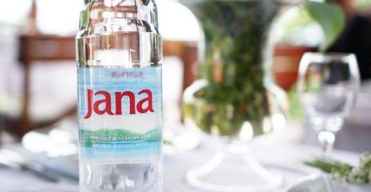 jana-zdrav-život-voda-modnialmanah