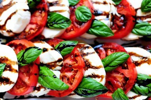 gastro-rajčica-food-hrana-mozzarella-modnialmanah