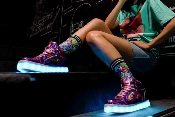 Skechers-Energy-Lights-fashion-modnialmanah
