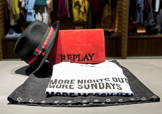 replay-mall-of-split-modnialmanah-shopping