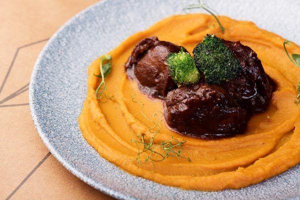 el-toro-gastro-hrana-modnialmanah-restoran
