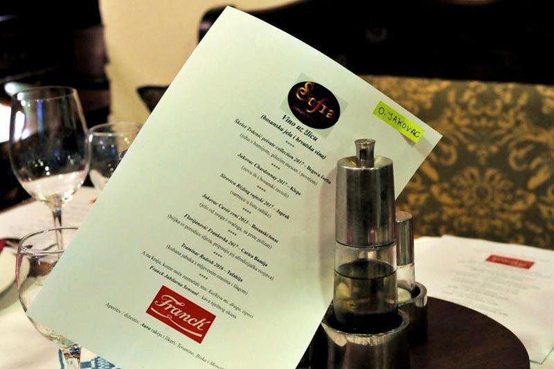 vino-uz-žlicu-sofra-modnialmanah-gastro