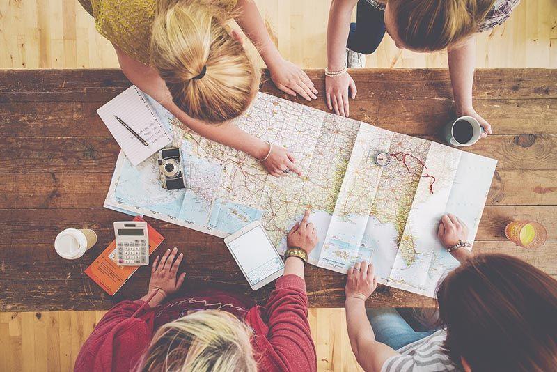 booking-com-genearcija-z-modnialmanah-lifestyle-putovanje