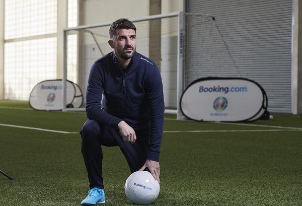 Booking-com-Global-Ambassador-for-UEFA-EURO-2020 -David-Villa-lifestyle-modnialmanah