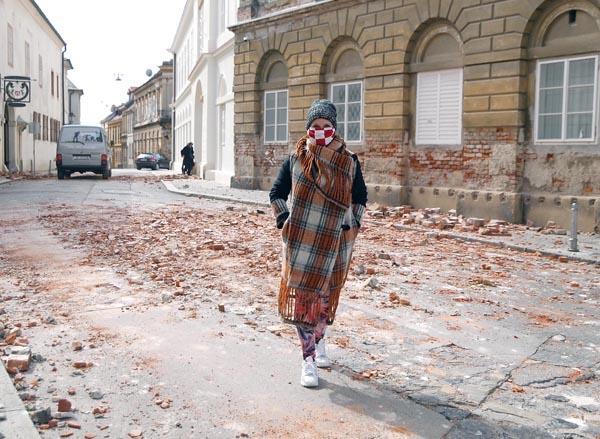 Bili Smo S Vatrogascima Nakon Potresa Evo Kako Zagreb Izgleda Danas Modni Almanah