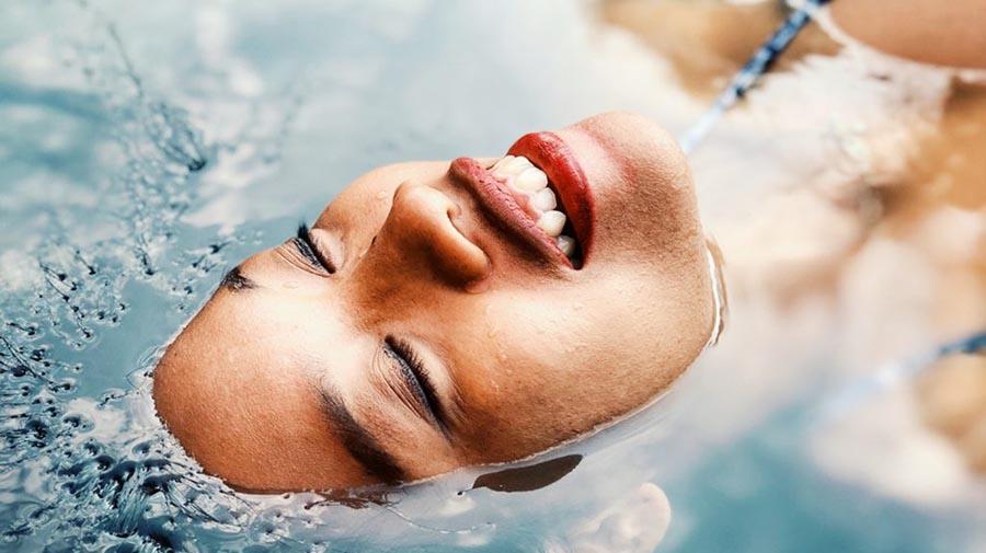 beauty-foreo-H2Overdose-njega-lice-koža-modnialmanah