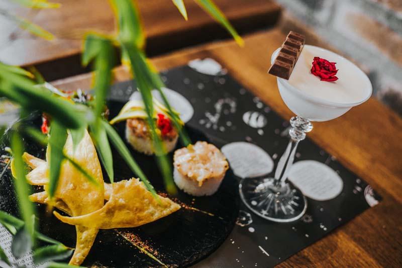 jellyfish-in-space-gastro-modnialmanah-restoran