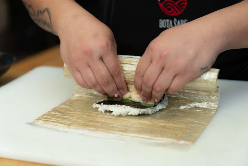 gastro-bota-šare-sushi-gastronomija-modnialmanah