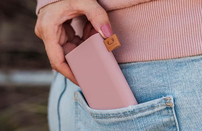 mobia-fresh-n-rebel-powerbank-modnialmanah-gadgeti-smartphone-baterija