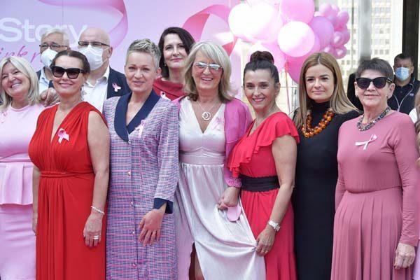 fashion-pink-life-story-modnialmanah-revija-rak-dojke-karcinom-ružičasti-listopad
