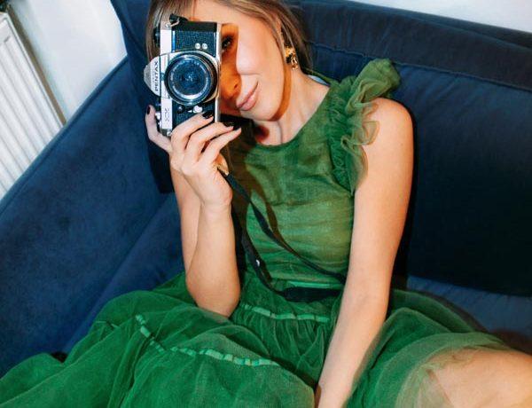 H&M's-Conscious-Exclusive-AW20-fashion-modnialmanah