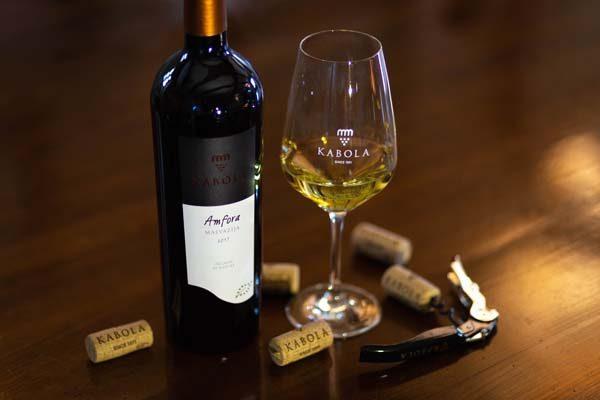 kabola-winery-lifestyle-vino-modnialmanah