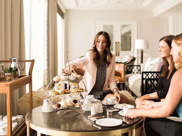 međunarodni-dan-žena-modnialmanah-booking-com-lifestyle