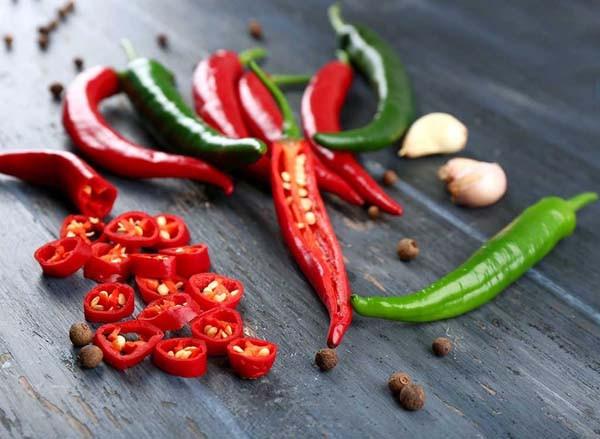 zdravlje-začin-čili-papričica-chili-modnialmanah-ljuti
