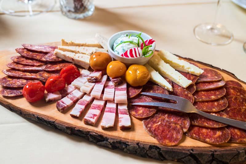 lifestyle-vukovarsko-srijemska-županija-slavonija-srijem-hrana-gastro-modnialmanah-hotel-dunav-sotin-vinkovci