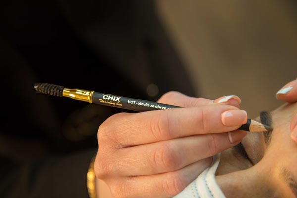 beauty-CHIX-threading-bar-olovka-za-popunjavanje-obrva-make-up-ulje-modnialmanah
