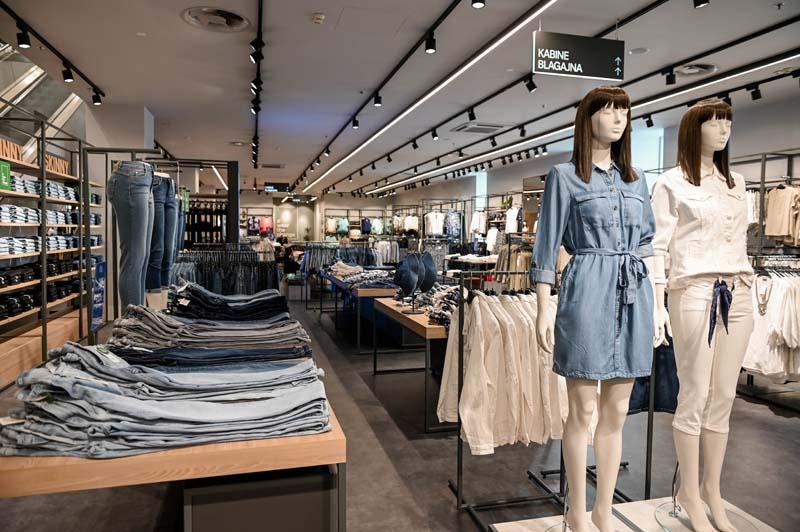 c&a-fashion-moda-city-center-one-west-modnialmanah