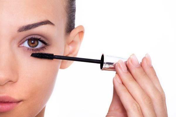 beauty-rakun-pogled-maskara-make-up-šminka-modnialmanah