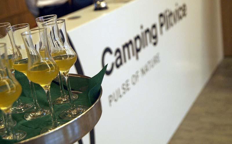 camping-plitvice-women's-days-c&a-nitui-catrice-ccc-vino-uz-žlicu-baraćeve-spilje-plitvička-jezera-kozel-kaptol-vina-soldo-lažni-svjedok