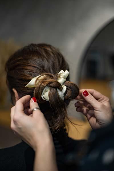 Frida-Hair-Salon- trake-za-kosu-mašne-modnialmanah