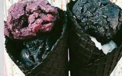 gastro-crni-sladoled-modnialmanah