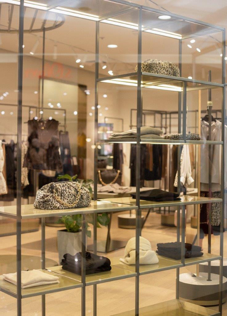 Seventy-Venezia-store-split-fashion-shopping-modnialmanah